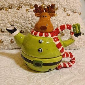 🌻2/$20 Christmas ceramic serve ware: tea for one